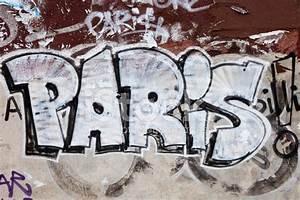 Paris Graffiti Stock Photos - FreeImages com