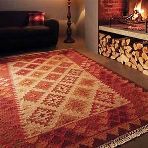 tapis design en laine large choix de formes et de With tapis kilim avec canapé haut de gamme italien