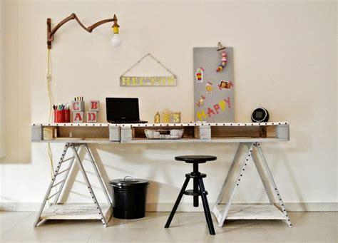 revêtement de sol chambre à coucher bureau en bois 34 idées diy très cool en palette europe