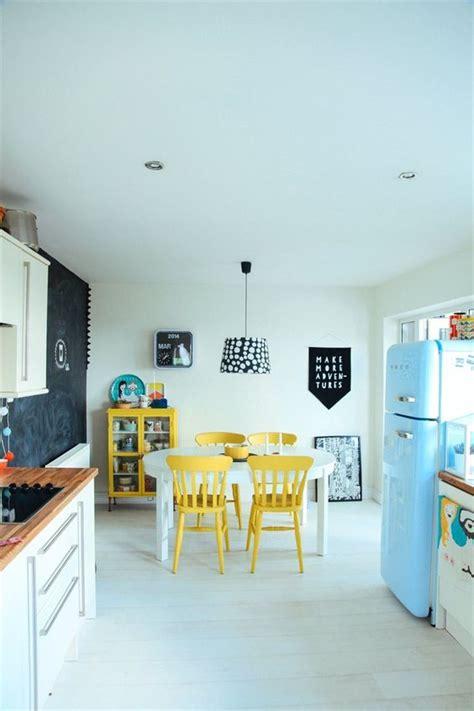 cuisine avec frigo smeg comment aménager une cuisine avec un frigo smeg