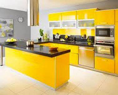 finition plan de travail cuisine peinture murs cuisine gris souris meubles finition jaune