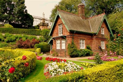 Happy Living Life In A Charming Cottage