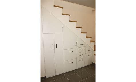 profondeur placard cuisine stunning bel intgration duun placard sous un escalier dans cette maison neuve profitant duune