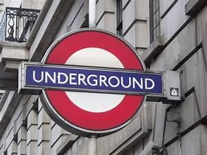 Baker Street Underground Station - Underground sign | Flickr