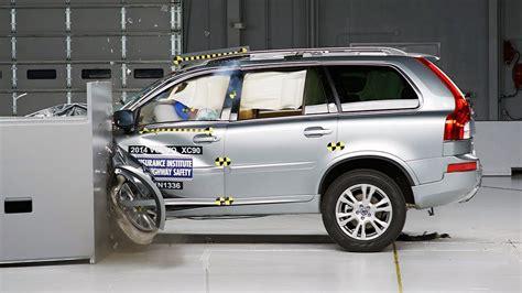 volvo xc driver side small overlap iihs crash test