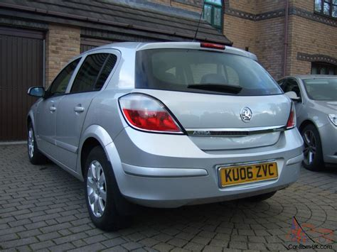 vauxhall astra 2006 2006 vauxhall astra club twinport silver service history