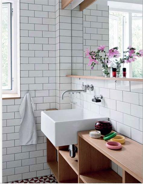 carrelage salle de bain blanc joint gris sol noir et blanc