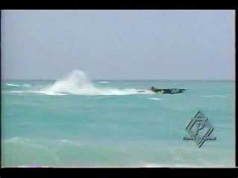 Cigarette Boat In Rough Water by Powerboat Racing In 7 8 Ft Seas Rough Water Jumps