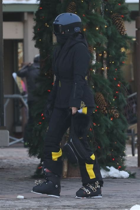 Kendall Jenner Get ready to hit the slopes with friend Fai ...