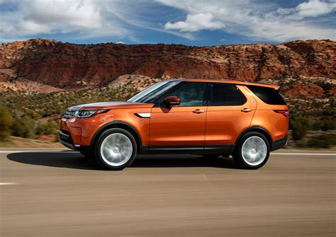 Land Rover Car : Land Rover Discovery (2017) Review By Car Magazine