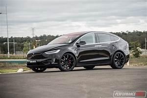 Tesla Modele X : 2017 tesla model x p90d review video performancedrive ~ Melissatoandfro.com Idées de Décoration