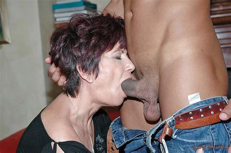 Lustful Mature Babe Sucks And Fucks A Big Black Cock In
