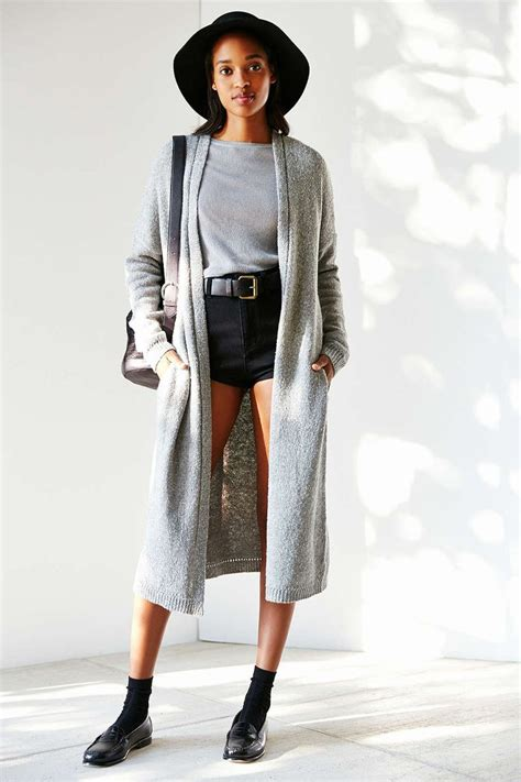 trend outfit  long cardigan celebrity fashion