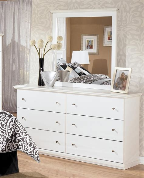 signature design by ashley bostwick shoals casual 6 drawer