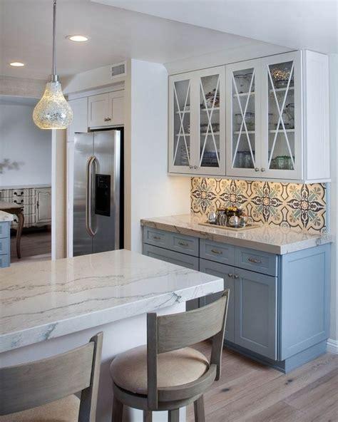 extraordinary kitchen backsplash  white cabinet