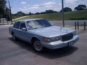 Pillos 97 1997 Lincoln Town Car Specs  Photos  Modification Info At Cardomain