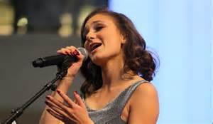 Daya Singer Hideaway