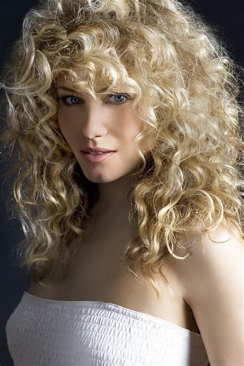 natural curly long hairstyles