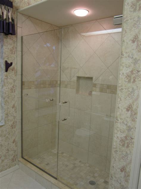 Folding Tub Shower Doors by Bathroom Showers In Ft Myers Fl