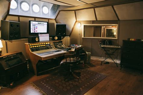 Home Recording Studio Techniques by The Most Beautiful Recording Studios Around The World