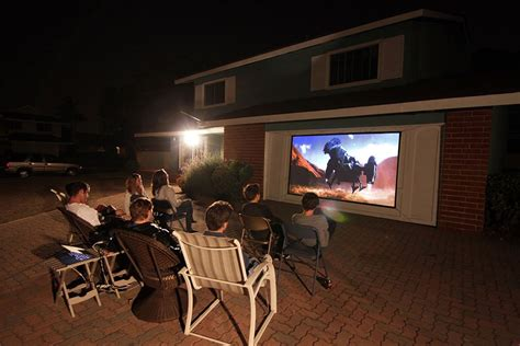 outdoor projector screen  movies