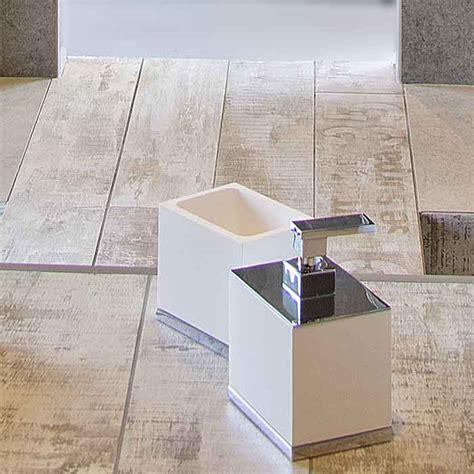 box doccia doppio naldi s r l pavimenti e rivestimenti in pietra e legno