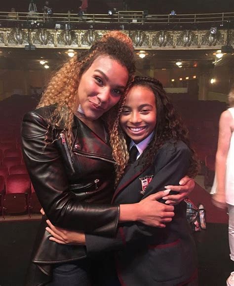 The Umbrella Academy: Emmy Raver-Lampman and Eden Cupid ...