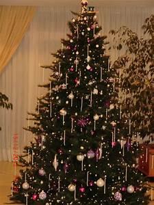 Weihnachtsbaum Pink Geschmückt : bild tannenbaum festlich geschm ckt in der halle zu hotel riu playa park in platja de palma ~ Orissabook.com Haus und Dekorationen