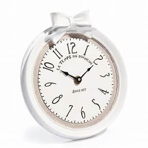 Pendule Maison Du Monde : horloge en r sine blanche d 17 cm doriane maisons du monde ~ Teatrodelosmanantiales.com Idées de Décoration