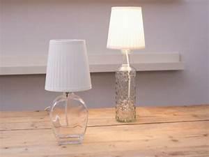 Lampen Selber Bauen Anleitung : diy anleitung lampe aus flaschen bauen via ~ A.2002-acura-tl-radio.info Haus und Dekorationen
