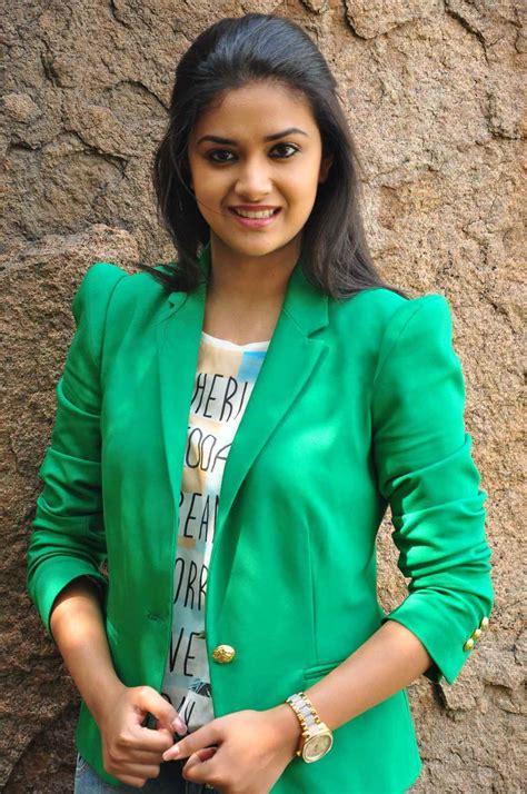 Keerthi Suresh Stills At Nenu Sailaja Movie Interview