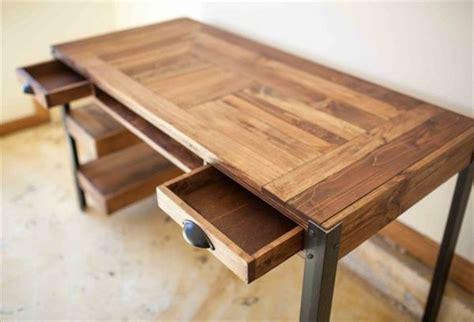 bureau palette fabriquer bureau en palette maison design bahbe com
