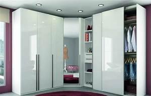 Placard D Angle : armoire d 39 angle ~ Teatrodelosmanantiales.com Idées de Décoration
