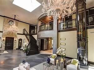 Villa, Home, Lift, Signature, Statement, With, Stylish, Attire