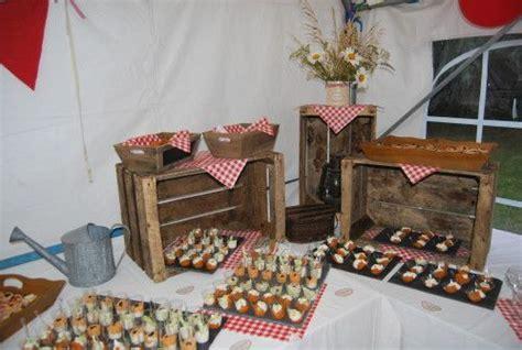 ansisachris  buffet anniversaire vichy rouge