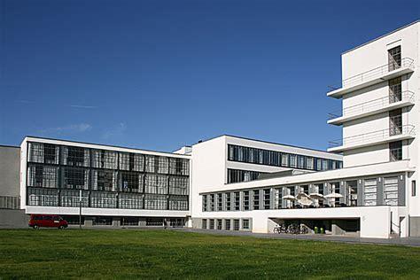 Bauhaus Building By Walter Gropius (192526) Bauhaus