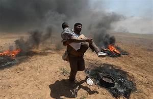 Israeli forces kill dozens of Palestinians in Gaza ...