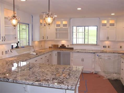 White Cabinets Countertop What Color Backsplash by Kitchen Backsplash Ideas White Cabinets Brown Countertop