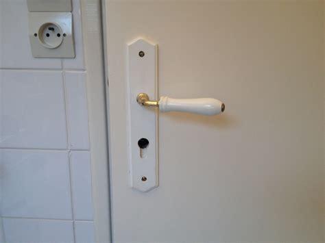 comment ouvrir une porte de chambre bloqu changer une porte de chambre changer une porte de chambre