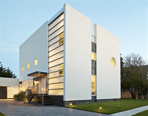 Art Deco Style Houses  Belmont Freeman Brings Art Deco