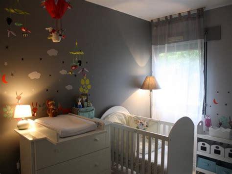 chambre gris souris photos décoration de chambre bébé enfant garçon moderne