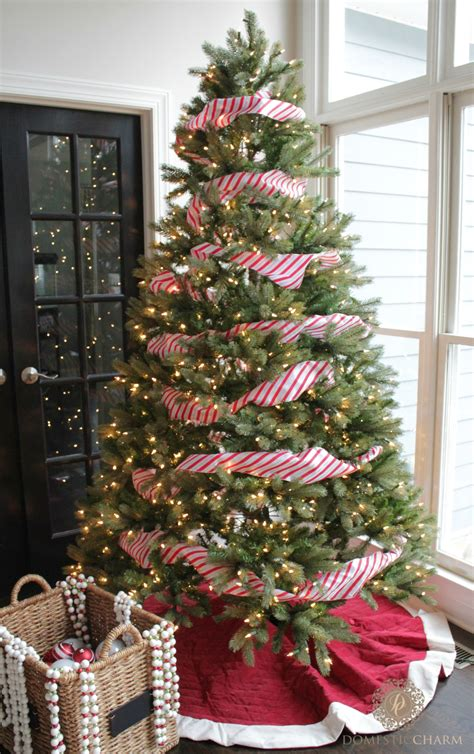 decorate  christmas tree step