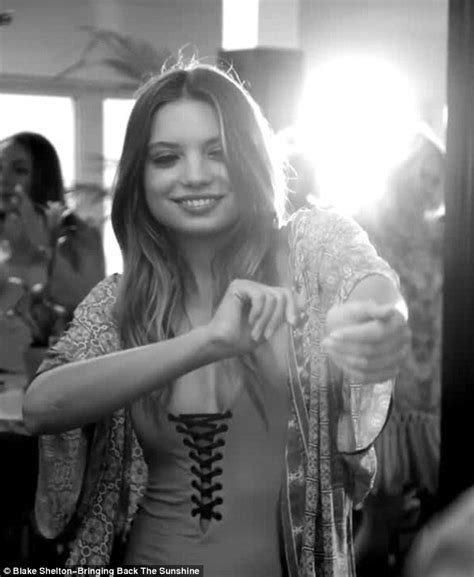 blake shelton dancing blake shelton romances a younger woman in came here to