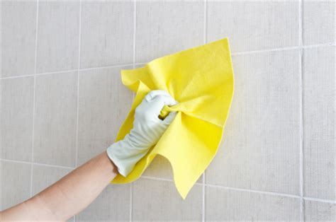 how to clean wall tiles in kitchen 10 kitchen clean up tips 9361