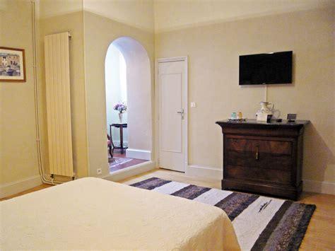 chambres d hotes figeac chambre d 39 hôtes tomfort à figeac dans le lot chambre