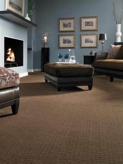 Schwarz Braune Möbel by Ein Wohnzimmer In Braun Wirkt Einladend Und Wohnlich