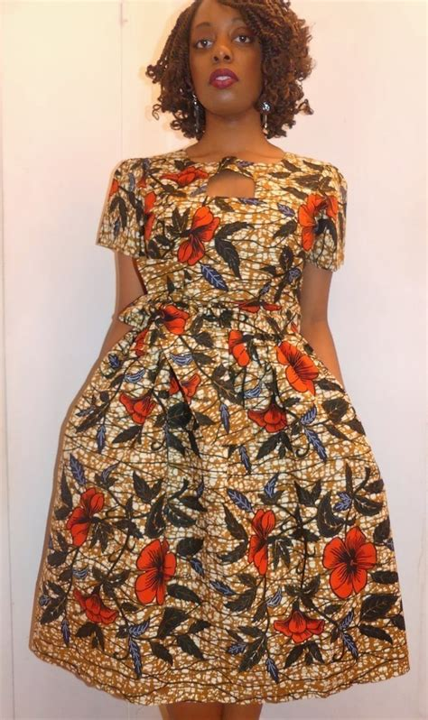 Robe Wax Africain Robe Col Rond Manches Courtes En Wax Pagne Africain Par Pagnshopea Afrikrea