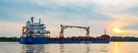 Rīgas ostā veiksmīgi attīstītās arī mazo kuģu apkalpošanas ...