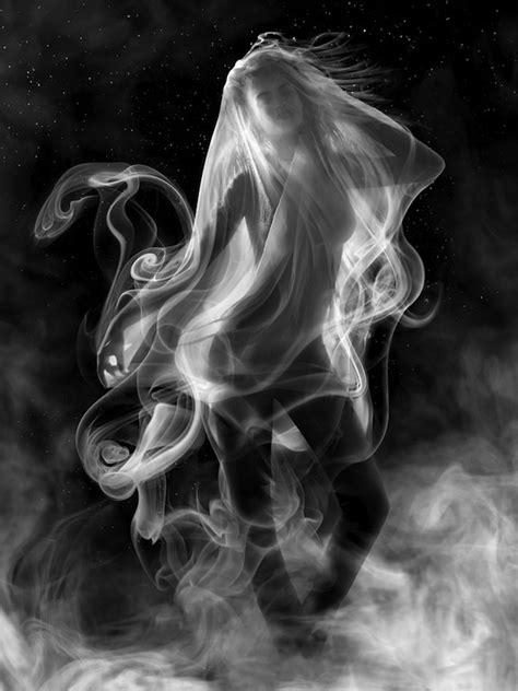 stunning examples  shape shifting smoke art