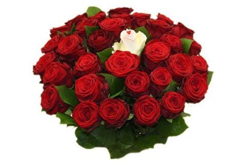 bos bloemen crematie 25 rode rozen kopen verjaardag liefde felicitatie 25